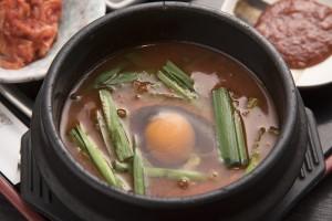 「うさとら定食」の純豆腐チゲ